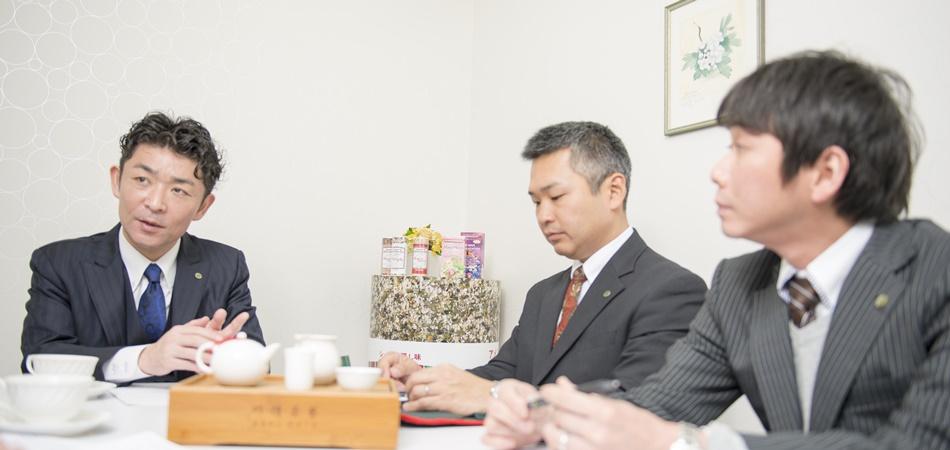 代表取締役社長  北島 大太朗氏 システム担当室長の瀬田裕士氏 システム担当副主任の神田亘氏